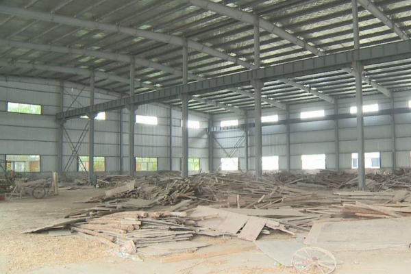 汉中市排查发现8户地条钢企业 ()