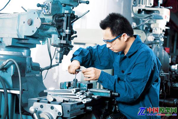 我国机械工业呈稳中求好态势 结构性矛盾仍然存在