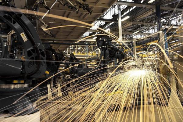 中国最大规模,60亿元非公开可交换债!是哪家钢企发行的? ()
