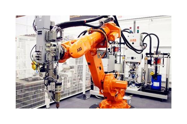 中国工业机器人制造业成全球最大应用市场 ()