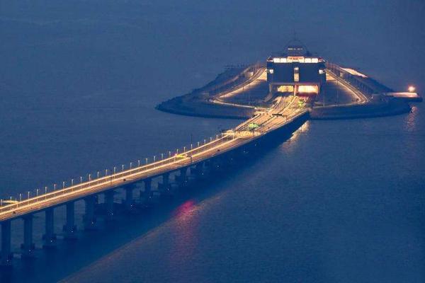 """""""超级工程""""港珠澳大桥通车了,有哪些电力工程做保障?"""