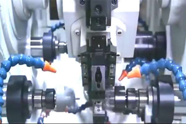 日本制造的15轴组合数控机床厉害了!