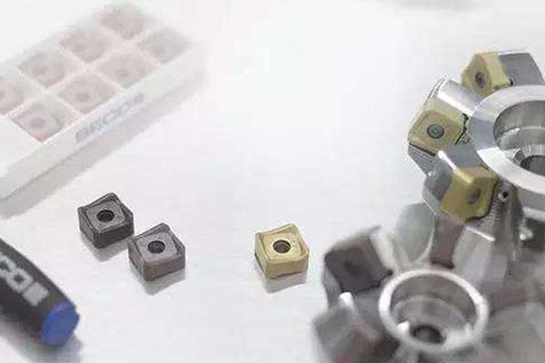 CNC數控模具加工師傅如何選擇合適的銑刀和銑削方式? ()