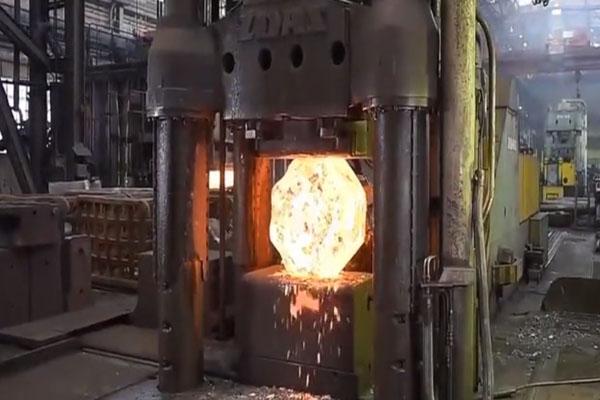 这才是真的重型工业制造,看的我热血沸腾,太壮观了