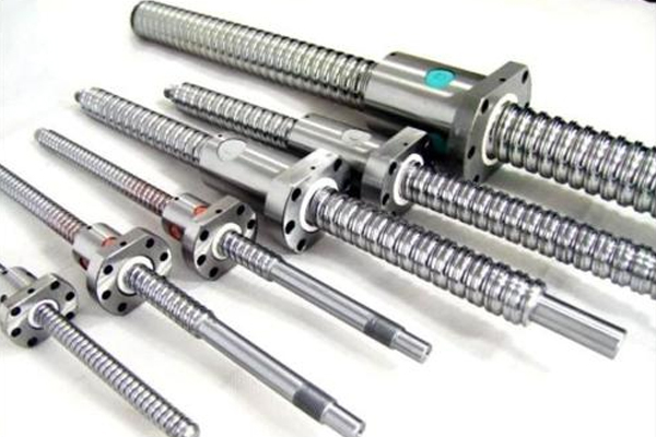万能材料试验机选用梯形丝杆还是滚动丝杆? ()